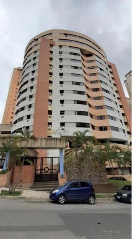 apartamento de 4 habitaciones ubicado en el parral