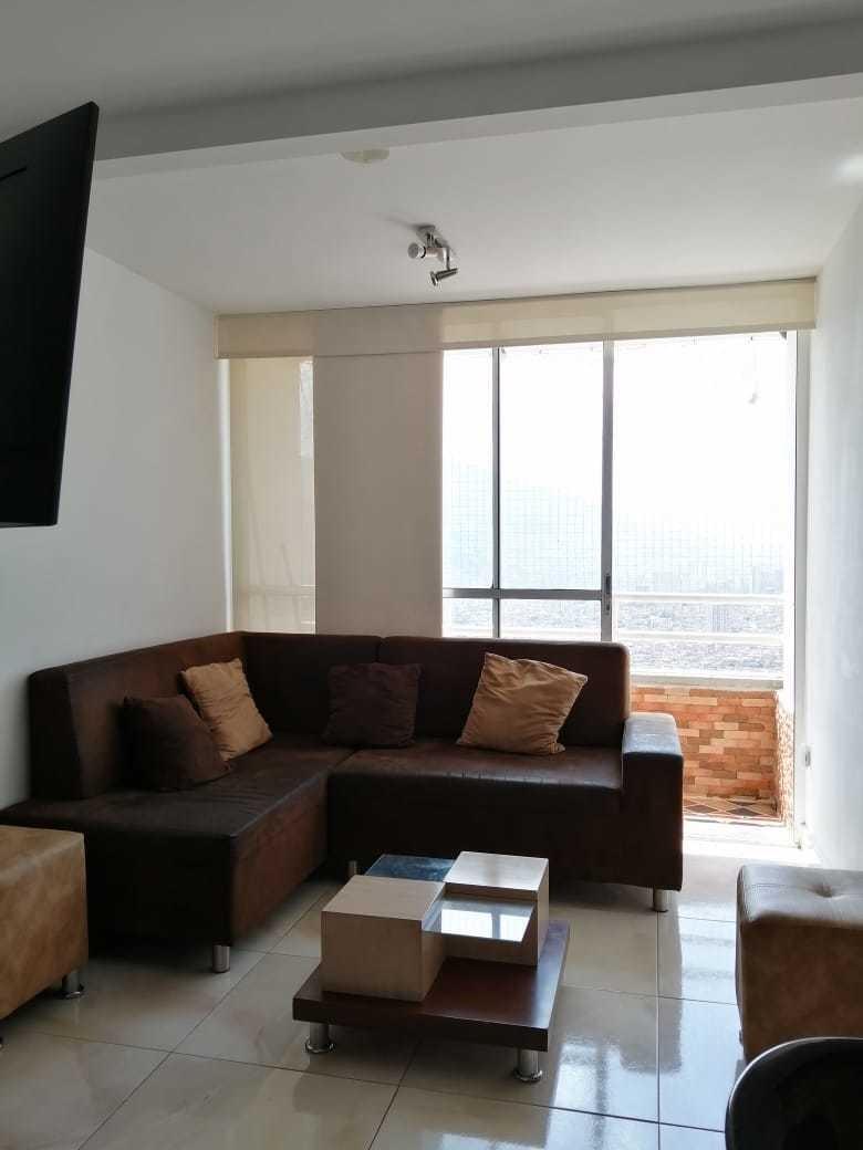 apartamento de 56 metros consta de tres habitaciones, sala,
