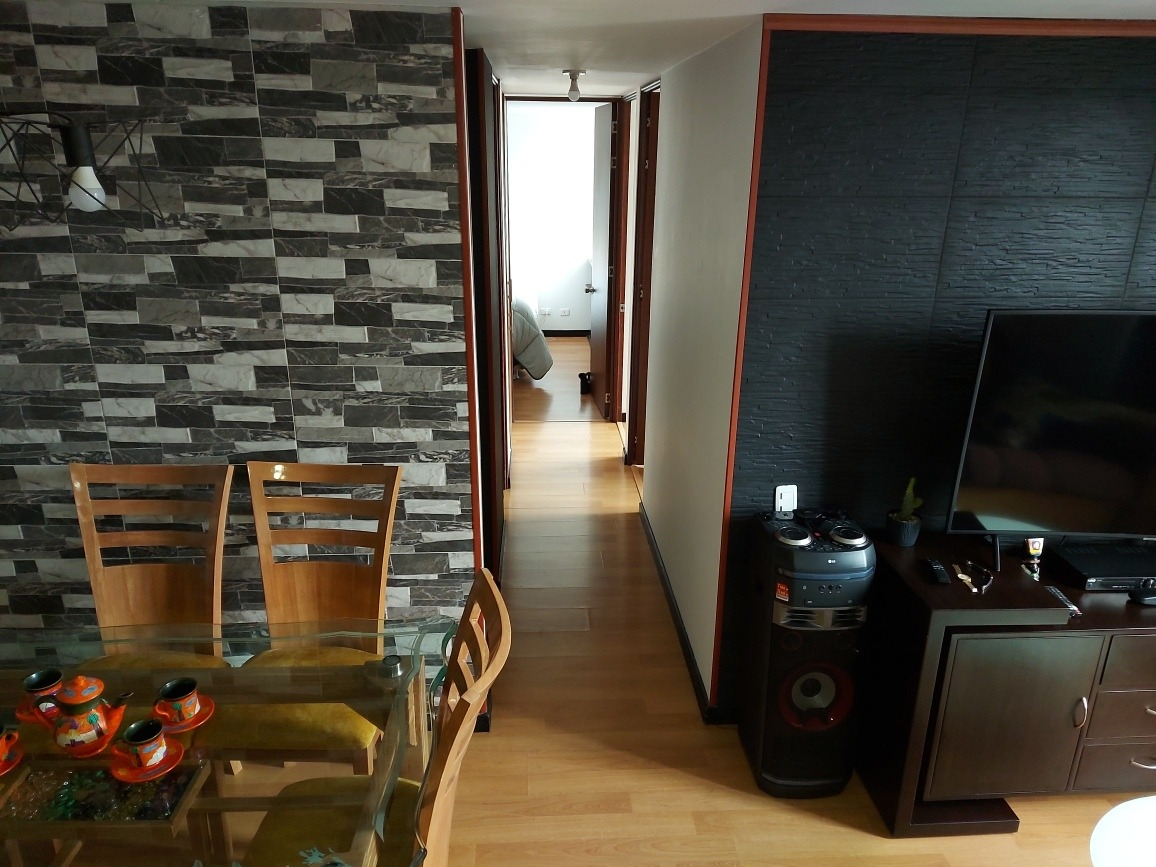 apartamento de 66m2 4 piso, con ascensor parqueadero propi