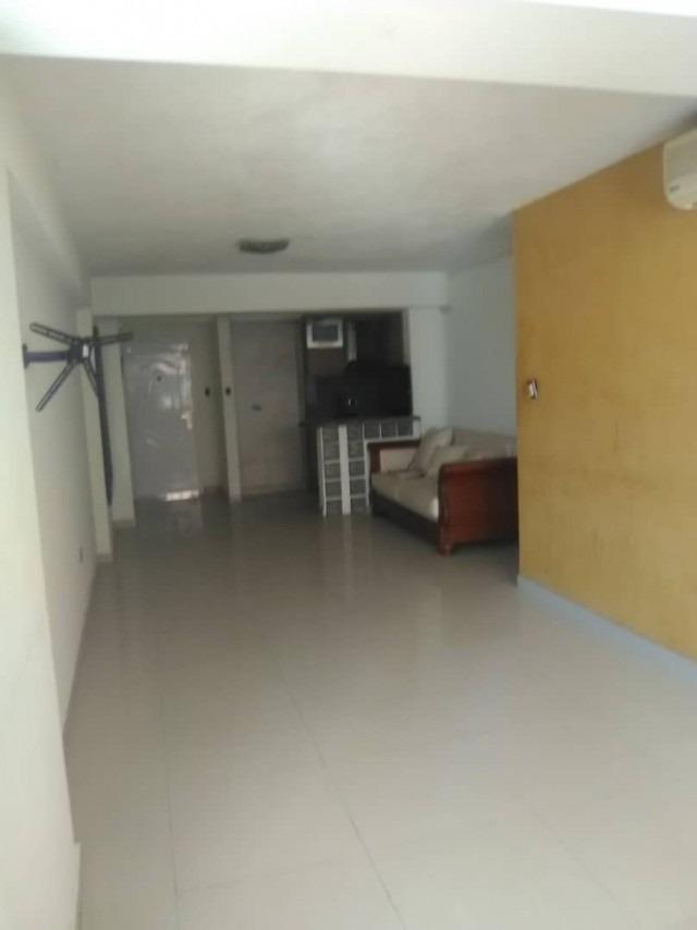 apartamento de 88 m2 en la urb. las chimeneas (23000)