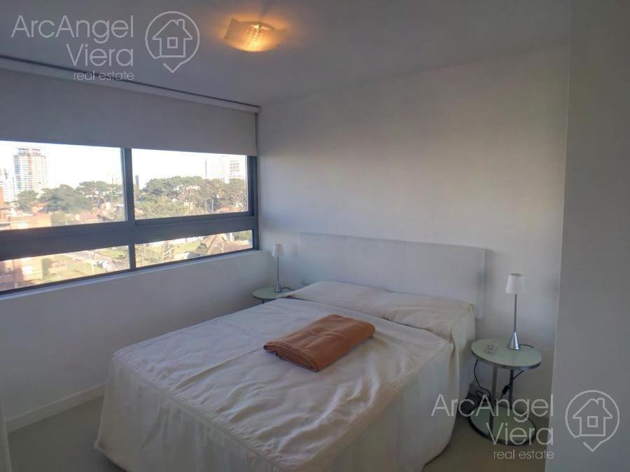 apartamento de dos dormitorios en alquiler anual en punta del este , playa brava, aidy grill