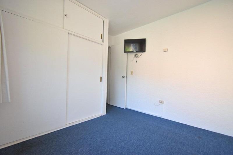 apartamento de dos dormitorios en playa mansa - venta- ref: 521