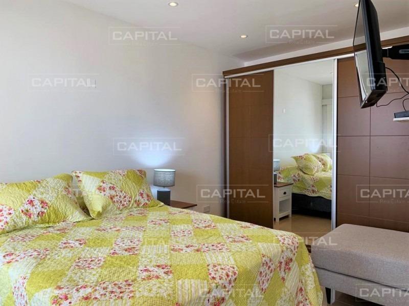 apartamento de dos dormitorios en pleno centro de punta del este-ref:28687