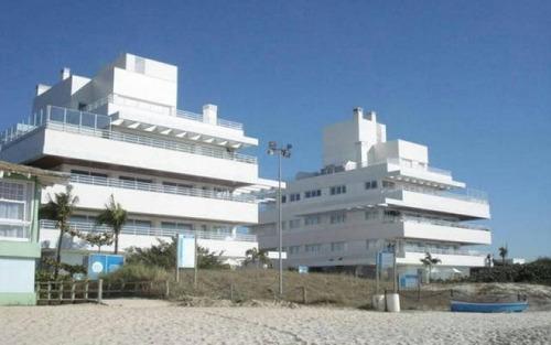 apartamento de luxo 3 suítes 3 vagas condomínio pé na areia jurerê internacional