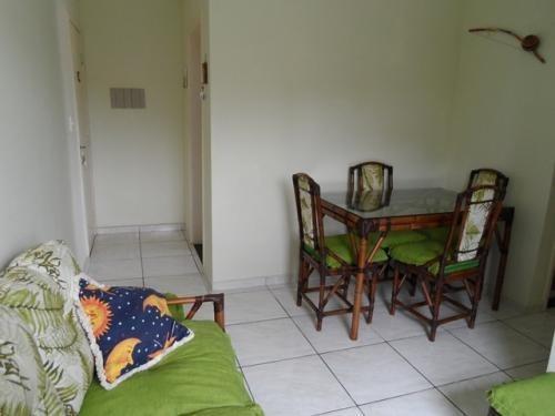 apartamento de praia com 2 quartos em itanhém-sp 2323-pc