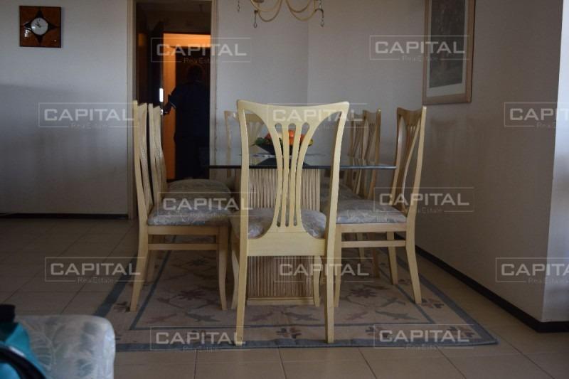 apartamento de tres dormitorios en parquemar r - punta del este- ref: 28716