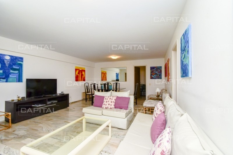 apartamento de tres dormitorios en venta - punta del este-ref:24798