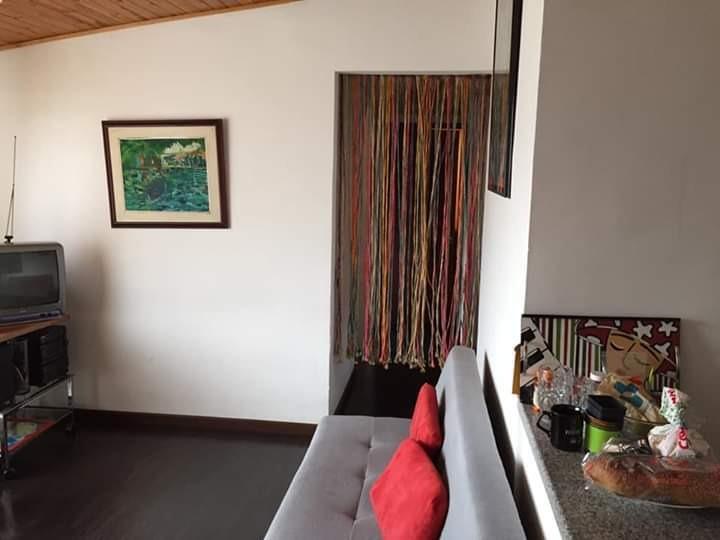 apartamento diseno con maderas y piedra, amplio, luminoso