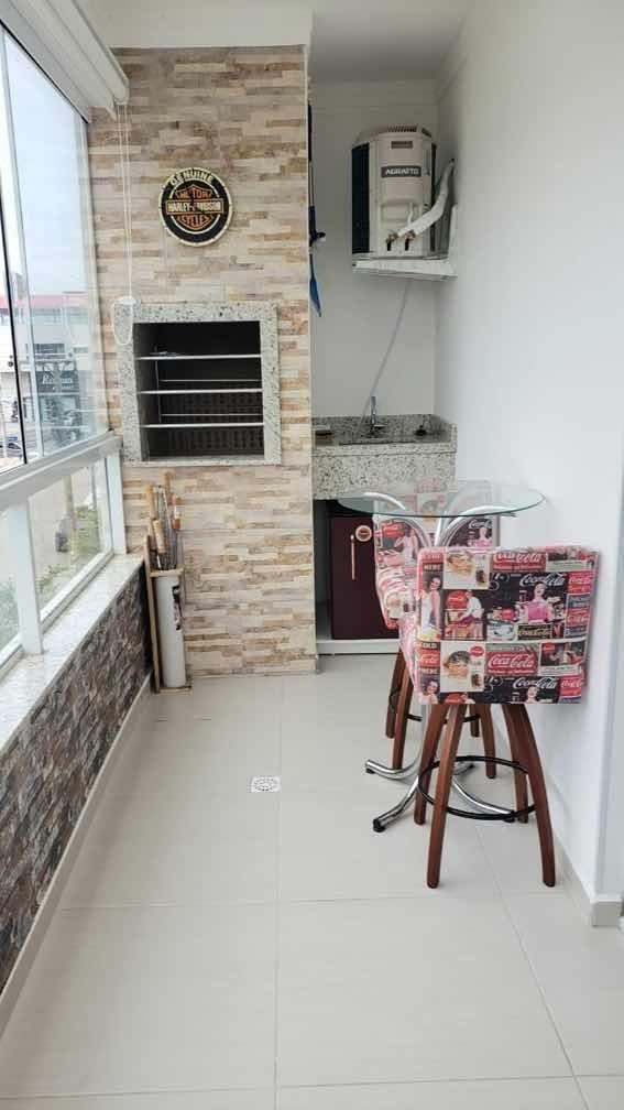 apartamento, dois dormitórios sendo 1 suíte, vaga coberta
