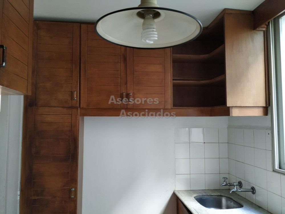 apartamento dos dormitorios al frente