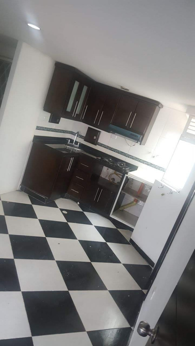 apartamento dos habitaciones grandes una pequeña