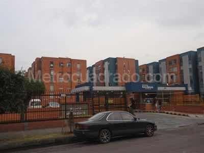 apartamento duplex hayuelos 74mt. negociables