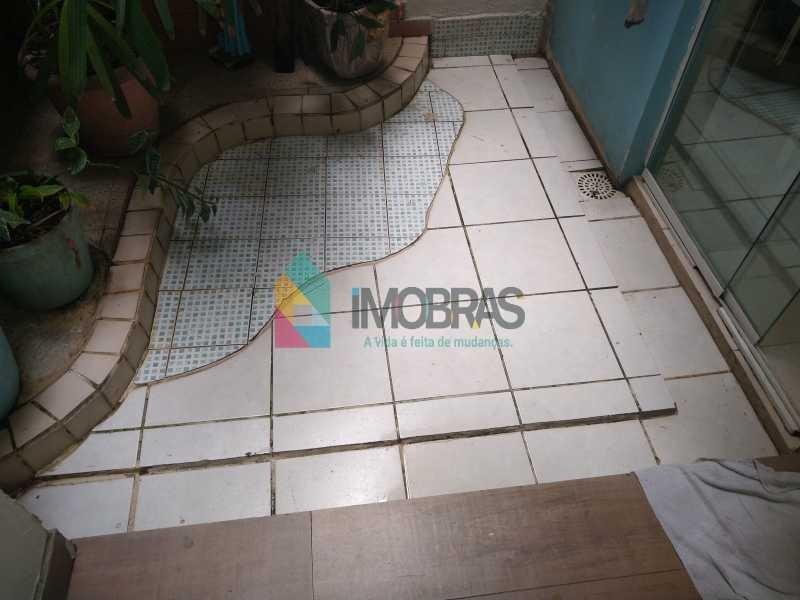 apartamento em copacabana próximo a praia e metro de 2 quartos, lavabo e área externa!! - cpap20917