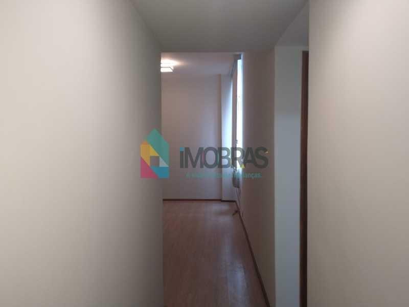 apartamento em copacabana próximo ao metro e praia, 2 quartos com dependências completas, vaga para alugar no prédio , oportunidade  750 mil!!! - cpap20879