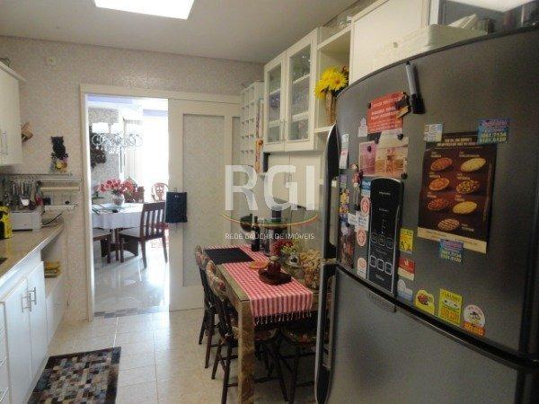 apartamento em petrópolis com 3 dormitórios - tr8560