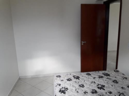 apartamento em praia grande cidade ocian, 3 dormitórios sendo 1 suite, sala para 2 ambientes com varanda gourmet - ap4784