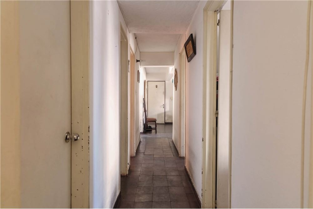 apartamento en aguada de 4 dormitorios y 2 baños