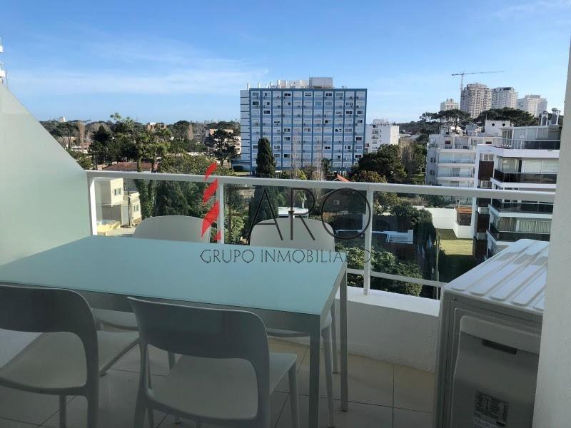 apartamento en aidy grill 2 dormitorios con balcón en alquiler anual-ref:36414