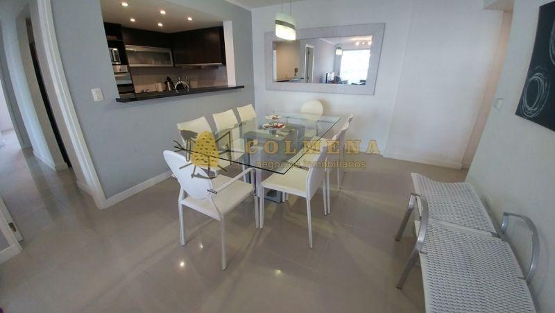 apartamento en aidy grill cerca de la playa brava, de 3 dormitorios, 2 baños, amplio living comedor con cocina integrada, balcon y garaje.-ref:2042