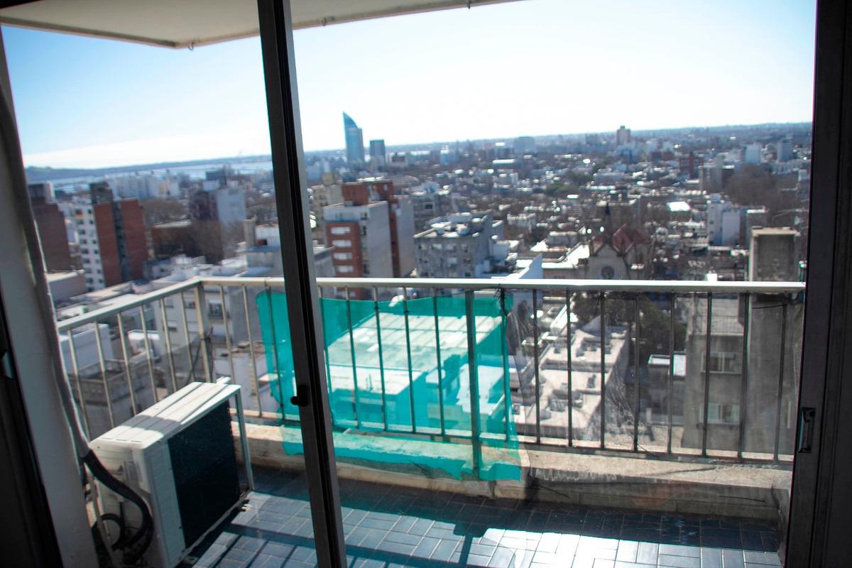 apartamento en alquiler, 1 dormitorio. cordón. gran vista.
