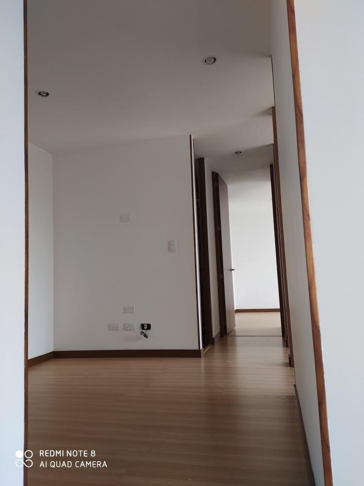 apartamento en alquiler 3 habitaciones, 2 baños, piscina