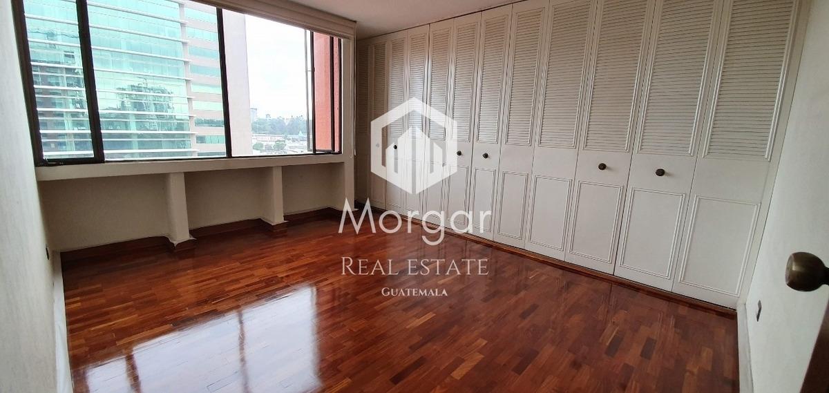 apartamento en alquiler en zona 10 en $950 de 2 dorm/cod 869
