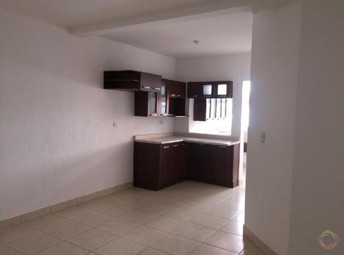 apartamento en alquiler en zona 14 la villa