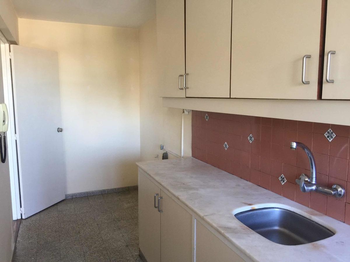 apartamento en alquiler  la blanqueada , brazo  oriental