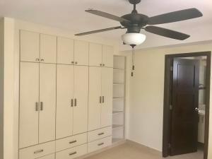apartamento en alquiler parque del mar costa del este panama