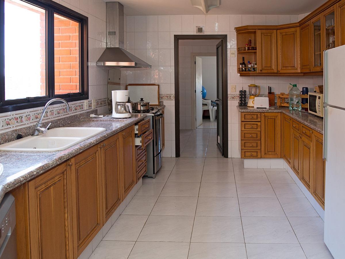 apartamento en alquiler sobre rambla en pocitos ref.: 6952