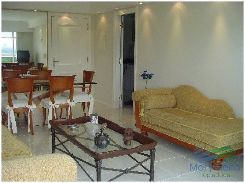 apartamento en alquiler y venta, primera línea, vista franca al mar, punta del este-ref:447
