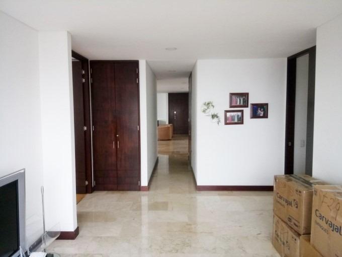 apartamento en arriendo el tesoro 473-4296