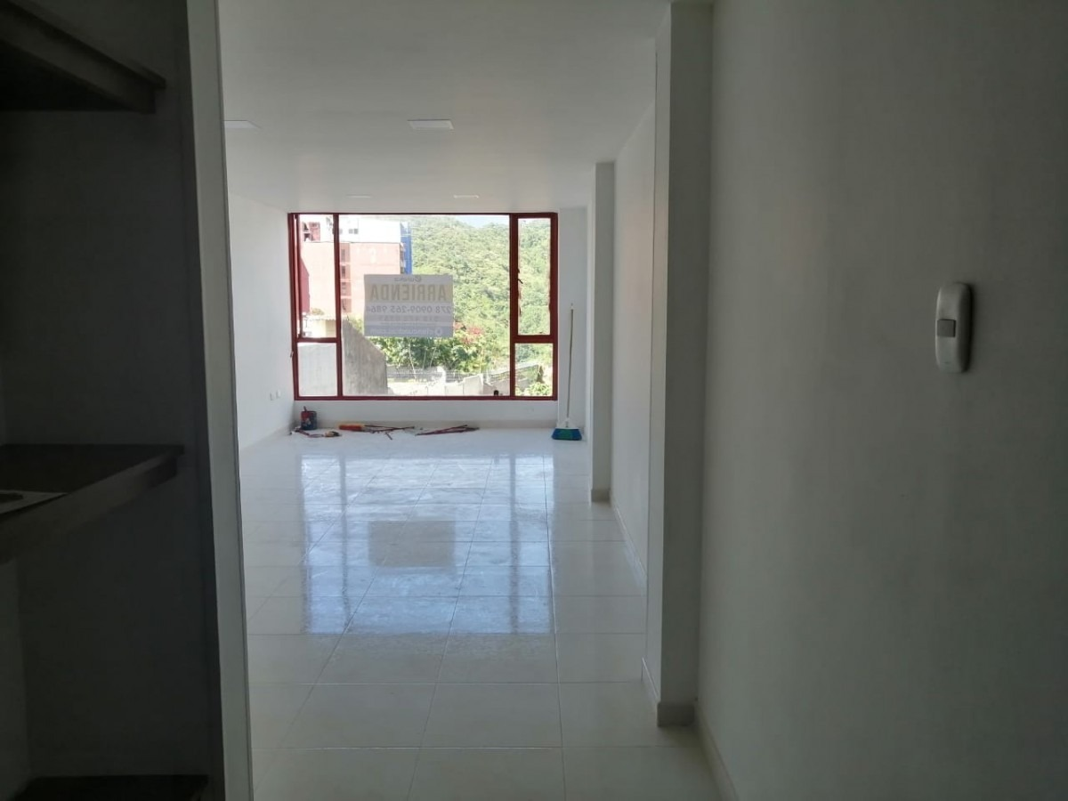 apartamento en arriendo la pola 903-337