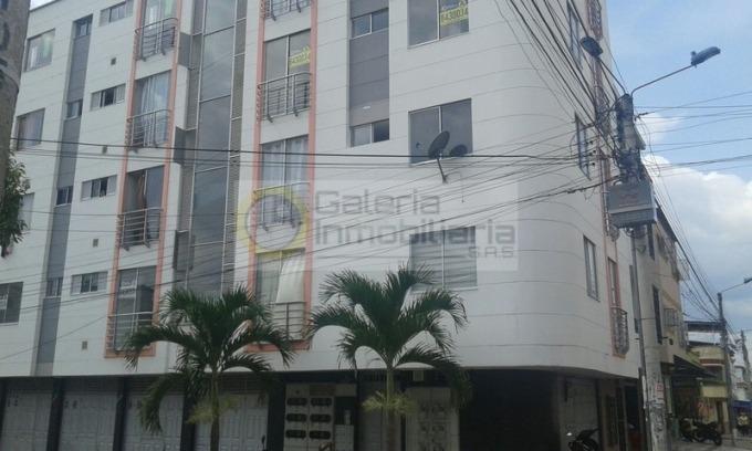 apartamento en arriendo la universidad 704-4297