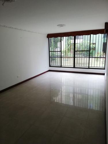 apartamento en arriendo las quintas de don simón 307-8052