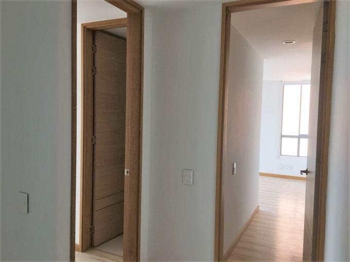 apartamento en arriendo loma benedictinos 473-4014