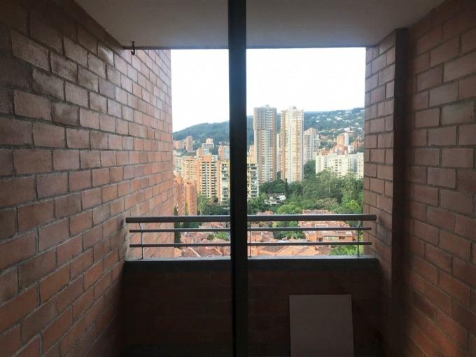 apartamento en arriendo loma de los parra 473-4025