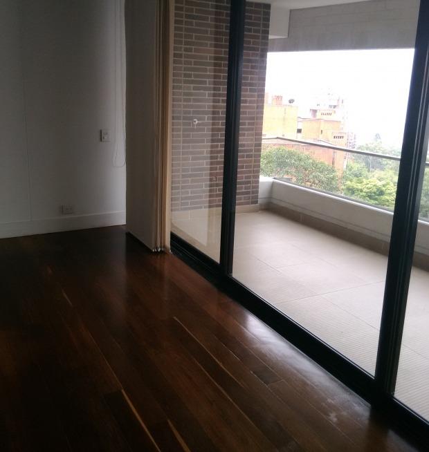 apartamento en arriendo loma del campestre 473-2960