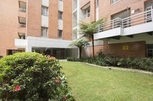 apartamento en arriendo los rosales 90-57592