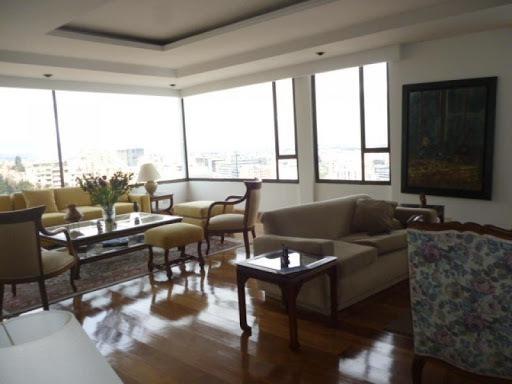 apartamento en arriendo los rosales 90-5868
