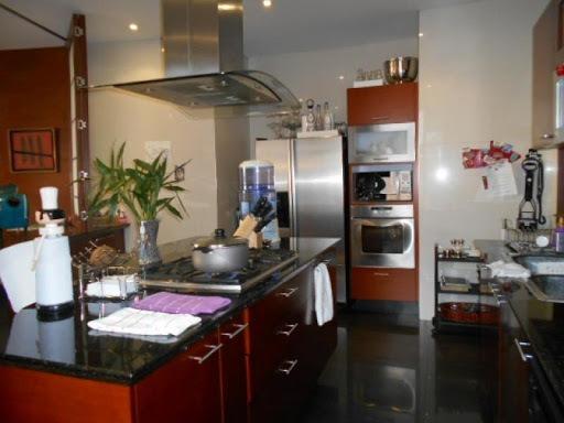 apartamento en arriendo los rosales 90-9459