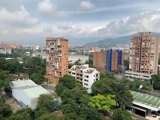 apartamento en arriendo poblado 472-1550