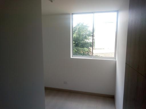 apartamento en arriendo prados de sabaneta 472-1392