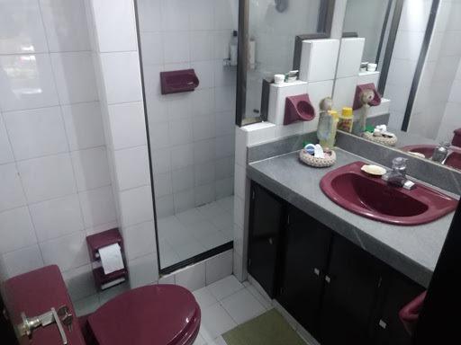 apartamento en arriendo santa barbara central 469-6250