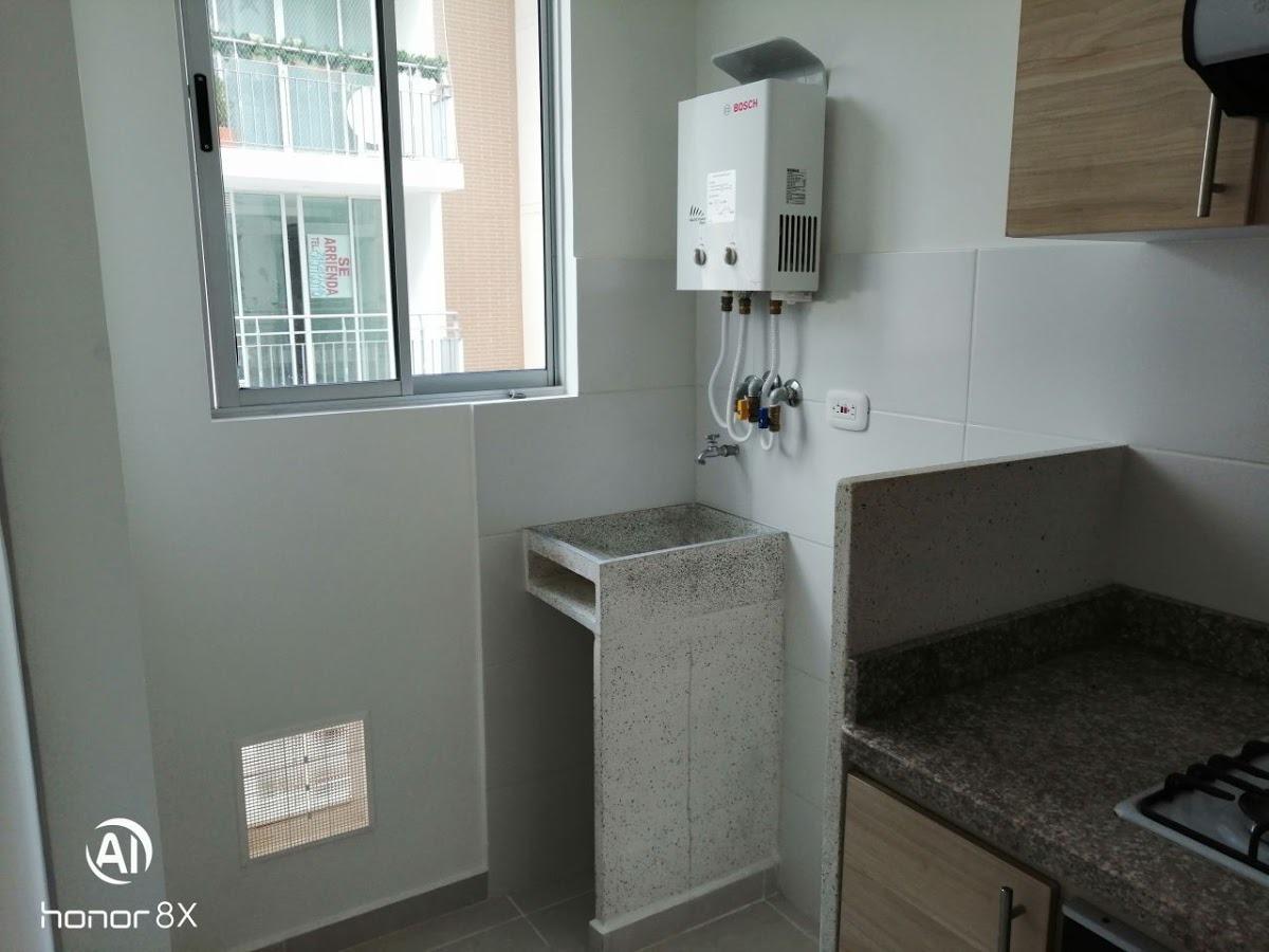 apartamento en arriendo/venta la pola 903-255