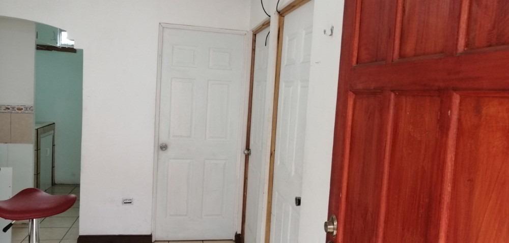 apartamento en aserrí, finos acabados, muy bonito y seguro