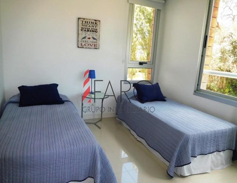 apartamento en brava 2 dormitorios 2 baños, garage-ref:34606