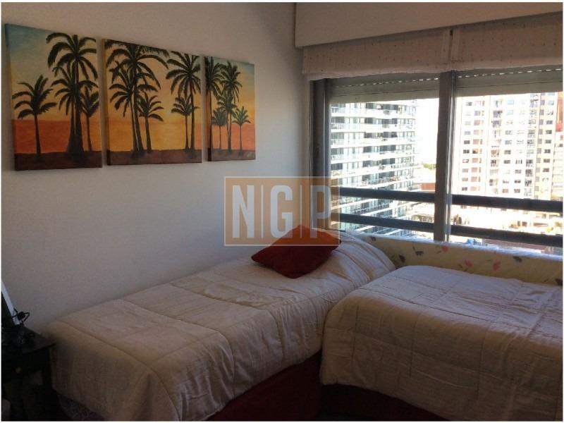 apartamento en brava, 2 dormitorios  ,lindisimo decorado-ref:17187