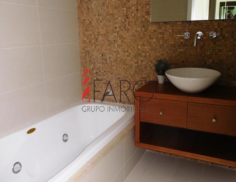 apartamento en brava 3 dormitorios 2 baños, garage- ref: 34596