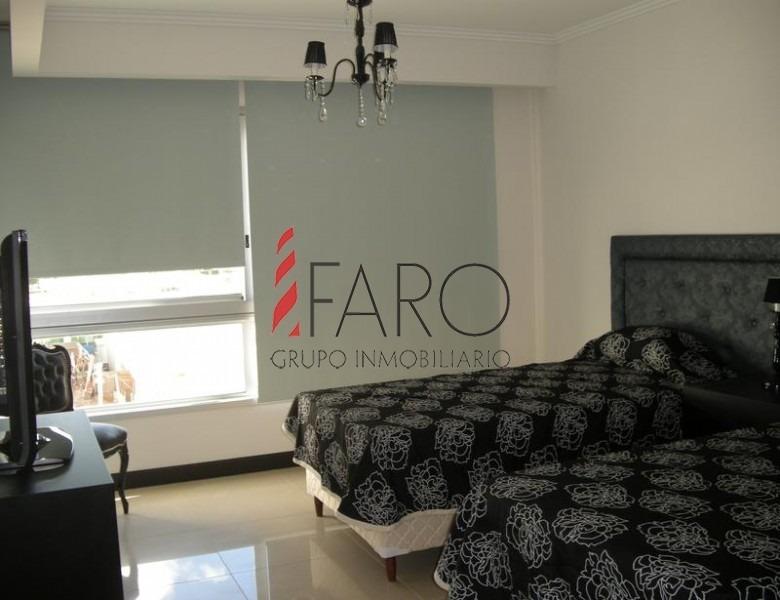apartamento en brava 3 dormitorios y dependencia con terraza y cochera doble- ref: 32623
